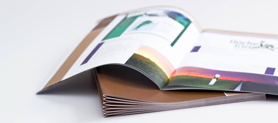 Broschüre im Digitaldruck, codiertes und nummeriertes Druckprodukt